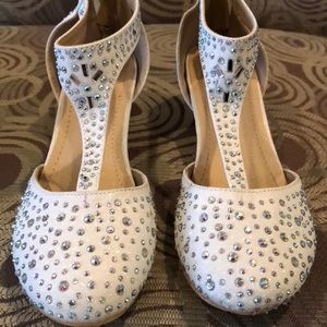 Other - Girls dress embellished shoes with a kitten heel